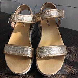 Aldo Open Toe Casual Platform Sandals Gold